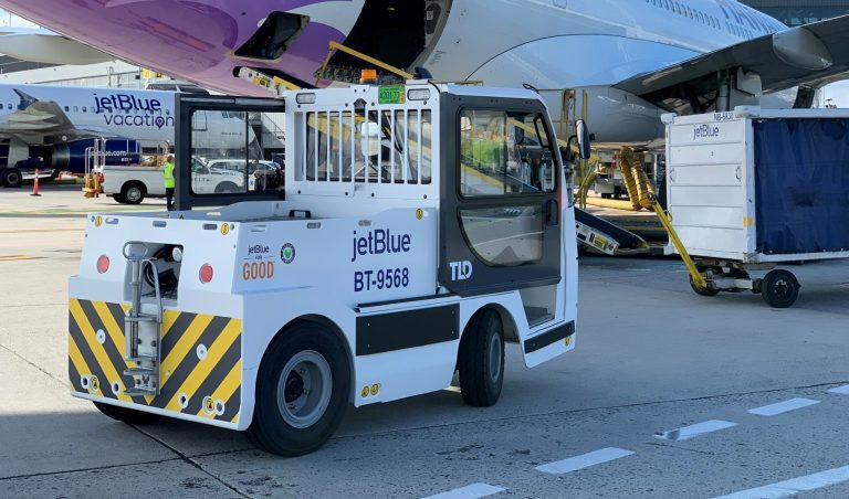 TLD JET-16_Electric Baggage Tractor