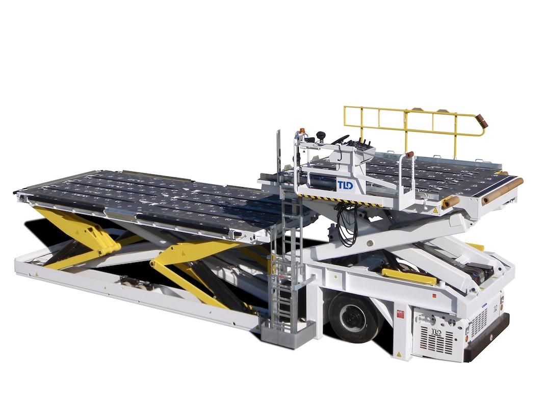 TLD 121 cargo loader